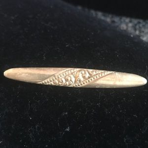 Vintage old sterling silver pin with etching